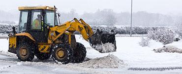 winter gritting jcb spreading salt